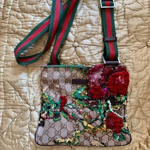 GUCCI Red Green CROSSBODY BAG Rose embroidery
